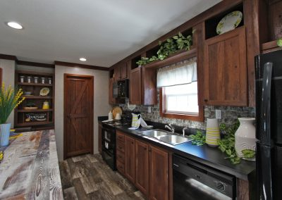 Double Pantry Kitchen 4